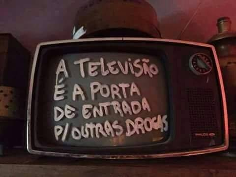 a tv e as drogas.jpg